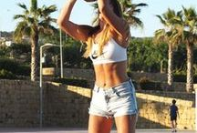 Flat-Belly Tips, Tricks, and Workouts / Everything you need to know to tighten up and sculpt your stomach.