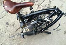 Faltrad / Falträder sind erstklassige Hybrid-Verkehrsmittel, wenn sie klein faltbar und nicht zu schwer sind. Mit solider Technik sind sie im Verbund mit Bus und Bahn überall nutzbar - bei guter Qualität auch über lange Strecken.