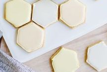 Bee Party Ideas / Host and throw a perfect Bee Party with these DIY Bee Party Ideas!