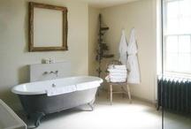 Bathroom / by Eva Gordon