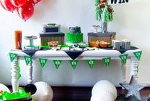 DIY Football Party Ideas / A collection of all things FOOTBALL! The best Football Party Ideas on the web by Lindi Haws of Love The Day.
