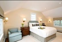 Bedroom Lighting Ideas / Here are some great looks and ideas to give you beautiful and useful bedroom lighting!
