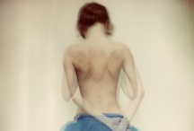 Faceless / Tout est beau si c'est vu de dos. / by Johanna Pires
