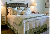 Bedrooms / Collection of ideas for decorating the bedroom! / by Linda Clark