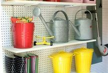 Organized Garage / The best tips and tricks to get your garage looking neat and organized!