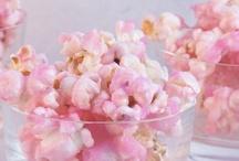 Macaroons, popcorn, churros, pretz and doughnuts / by Sofia Almeida