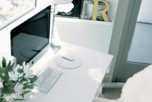 Office decor / by Paola Sanchez Fotografía