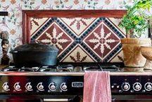 Kitchen ✰ Cuisine / La pièce ou l'endroit qui est dédié à la fabrication des repas.