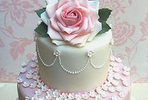 Beautiful Cakes / by Mary Bannon