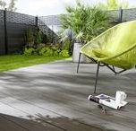 Sol extérieur / Apporter une touche de salon à votre jardin c'est possible. En teck ou en carrelage, votre sol extérieur peut faire de votre terrasse un lieu accueillant pour l'ensemble de vos convives !