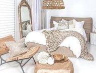 Décoration Salon et Chambre Cosy, Cocooning / Ambiance confortable, chaude, chaleureuse cosy et cocooning. Bougies, coussins, plaids, couvertures pour flâner.  #Romantic #cocooning #Cosy #shabby