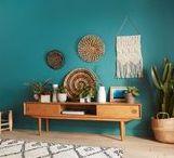 Déco Vert / Qu'il soit vert-de-gris, canard, émeraude, pomme, menthe ou anis... Le vert fera rentrer la nature dans votre intérieur. Synonyme d'harmonie et d'équilibre, le vert réconforte et détend. Rafraîchissant ou stimulant, le vert convient à toutes les pièces de la maison . Découvrez toutes nos idées déco pour choisir le bon vert.