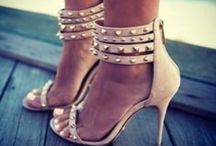 I Love Shoes!! / by Roshni Patel