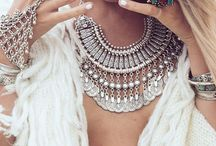 Dress Me Up: Accessorize / by Cassie Cooper
