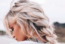 ★ b r i d a l H A I R / loose, natural, romantic hairstyles with beautiful flowers, vintage veils or gold; L O V E everything gold...