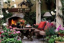 Backyard/Garden / by Carly Douglas