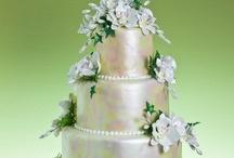 Weddings: The Cake / by Christina Davison