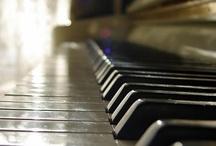 A Musical Tribute / by Henderson Ricardo