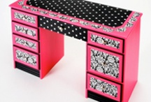 DIY Furniture / by Christina Benson