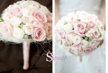 Chic Bridal Bouquets / It's time to choose your bouquet! Classic and white, modern and colorful or rustic and chic? Like and pin your favorites!!