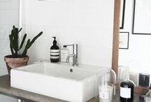 bathroom / marble | minimal & monochrome bathrooms