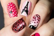 Paris Prom Ideas and Accessories / Are you having a Paris themed prom? Find all of the Paris accessories you need!