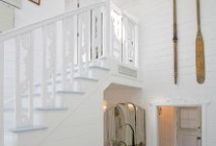 Beachy Entryway/Hallway/Stairway/Mudroom / by Amélie Cloutier