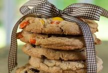 Simply Cookies / Classic Cookies, baked from scratch using basic ingredients such as butter, unbleached flour, Belgian cocoa, pure vanilla and whole eggs.  / by Country Cupboard Cookies