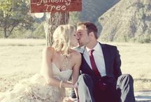 Wedding Entertainment / Keep your guests busy in a fun way!