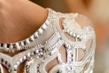 JewelMint Wedding Pinspiration / Beautiful summer wedding inspiration accessorized with stunning #jewelmint pieces!