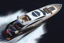 Łodzie motorowe / Motorboats / Powerboats / Łodzie motorowe, jachty motorowe, luksusowe jachty, szybkie motorówki, nowe modele łodzi, przełomowe konstrukcje jachtów motorowych, megajachty najbogatszych, klasyki, łodzie motorowe śródlądowe i wielkie łodzie transoceaniczne, światowe targi superjachtów, ... Motorboats, motor yachts, luxury yachts, high-speed motorboats, new models of powerboats, mega yachts, classic motor boats, luxury superboats, ...