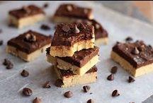 Vegan Yumminess - Sweet Stuff / Vegan baking and sweet treats / by Starr Wong