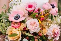 Wedding Bouquets for Brides and Bridesmaids / Gorgeous wedding bouquet ideas for brides and bridesmaids!