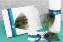 Peacock Wedding Theme / The Peacock Theme is a beautiful theme for a wedding.  Many beautiful ideas and options to add the beautiful colors to add to a special wedding!