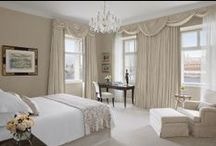 Rooms & Suites / Experience the Four Seasons luxurious accommodation of our Rooms & Suites in Prague.