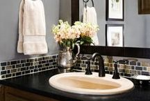 Bathrooms / by Kristi Challenger