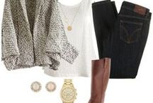 Comfortably Chic / Cute, comfortable outfits  / by Cassie Blevins Bass
