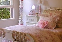 Bedroom Decor / by Janie Breon