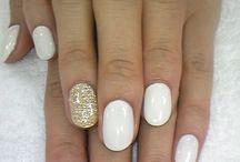 Pretty nails / by Jemealla Mallak