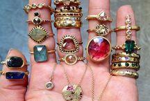 Jewels / by Viktoria Fisch