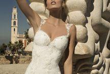 NOIVAS SENSUAIS - Casamento / Para noivas que não abrem mão de fendas, decotes e transparências.