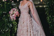 BLUSH BRIDE - Vestidos de noiva rosa claro ou rosa seco - Casamento / Inspirações e referências de vestidos de noiva na cor blush ou rosa seco ou champanhe.