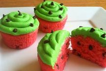 Cupcake/Muffin Recipes / Cupcake, Muffin, frosting and icing recipes / by Tara {A Spectacled Owl}