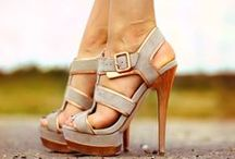 Shoes / by Caroline Strom