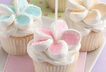 All About Cupcakes / cupcakes, frostings and ideas on displaying them / by Christina Budd