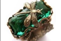 Jewels 1 / my favorite is vintage / by Nadine Hupp
