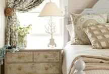 Cozy Bedrooms / by Vicki Shininger