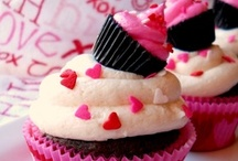 Cakepops/Cakes/Cookies/Cupcakes / by Melissa Russian