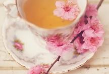 Tomamos Tea?   / Tanto  el  Te  como una rica!  taza  de  chocolate  nos  hace  mucho  mas  feliz  la vida!  Estas  invitada!