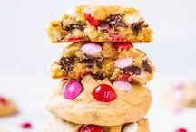 Cookies / Cookies, cookies and more cookies!